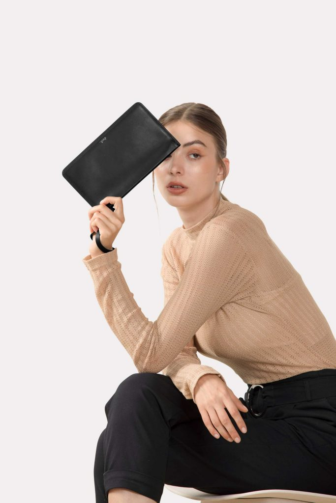 DA02 Pouch - Black
