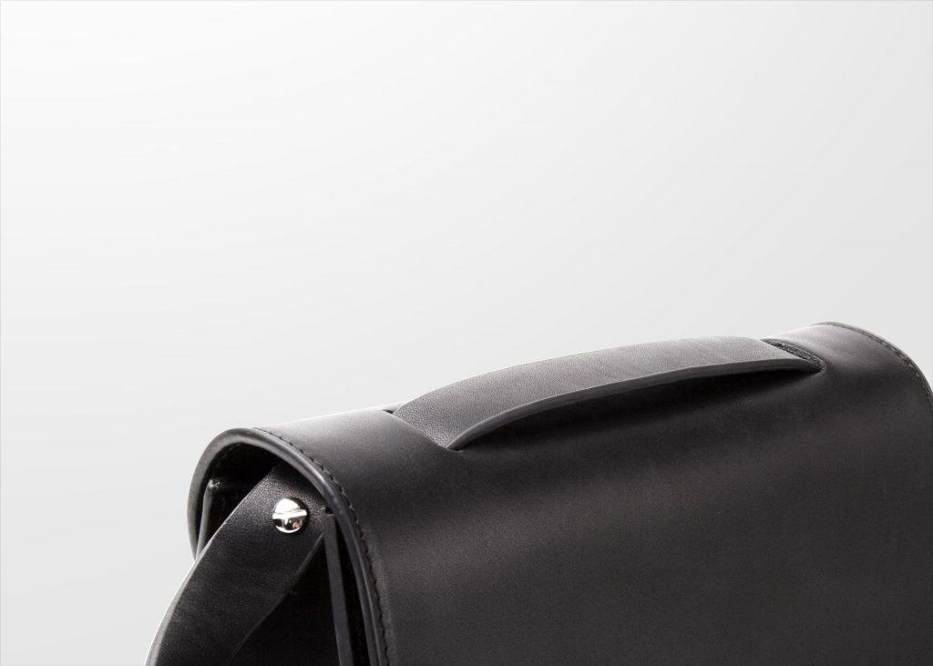 DA03 Crossbody - Black