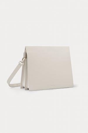 กระเป๋าสะพายหนัง dash. สีเทา DA06